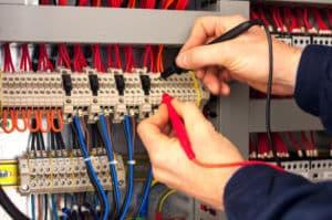 électricien 95120